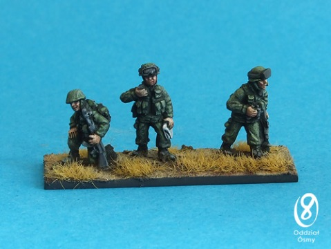 MD-1504 Green Men Command